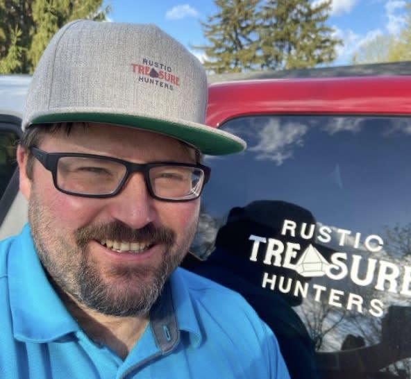 Rustic Treasure Hunters